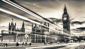 De Brug van Westminster bij schemer, Londen - het UK Stock Foto's