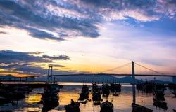 De brug van zonsondergangthuan phuoc - Da Nang Royalty-vrije Stock Afbeeldingen