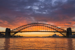 De brug van zonsopgangsydney harbor Stock Fotografie