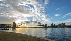 De brug van zonsopgangsydney harbor Stock Afbeeldingen