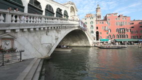 De Brug Venetië van Rialto stock video