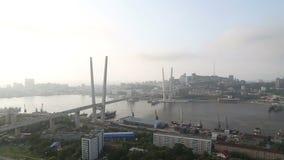 De brug in Vladivostok stock footage