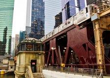 De brughuis van Chicago langs riverwalk Royalty-vrije Stock Foto's