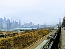 De brugmening van Brooklyn over de Rivier van het Oosten royalty-vrije stock afbeelding