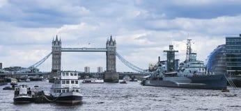 De brugrivier Theems Londen van de toren Royalty-vrije Stock Afbeeldingen