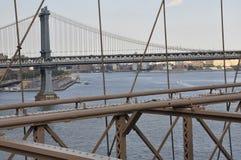 De Brugstructuur van Brooklyn over de Rivier van het Oosten van Manhattan van de Stad van New York in Verenigde Staten Royalty-vrije Stock Foto's