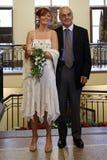 De bruid en de peetvader van het huwelijk Stock Afbeeldingen