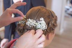 De bruid krijgt een hete stop Royalty-vrije Stock Foto's