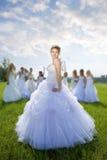 De bruid van de leider met groepen bruid stock foto's