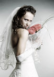 De bruid van Smiley met boeket van bloemen Stock Afbeeldingen