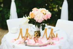 De Bruidegom Table van de huwelijksbruid Stock Fotografie