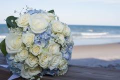 De bruids bloemen van het huwelijksboeket Stock Foto