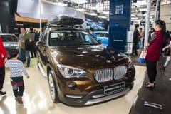 De bruine auto van BMW x1 Stock Afbeelding