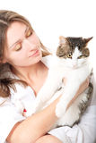 De brunette van Nice met een kat Stock Afbeelding
