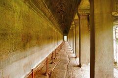 De buitengalerij van Angkor Wat, Siem oogst, Kambodja Grootste godsdienstig monument in wereld 162 6 hectaren stock foto