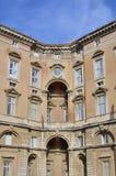 De buitenkant van Caserta Royal Palace Royalty-vrije Stock Afbeeldingen