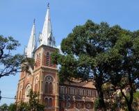 De buitenkant van de kathedraal van de notredame in Ho-Chi-Minh-Stad Vietnam Stock Fotografie
