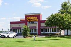 De buitenkant van gouden drijft restaurant bijeen royalty-vrije stock afbeeldingen
