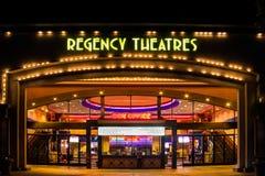 De Buitenkant van regentaattheaters stock foto's