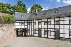 De Buitenpoort van het Nideggenkasteel in Duitsland, redactie royalty-vrije stock foto's