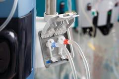 De buizen van hemodialysebloodline in dialysemachine Stock Foto
