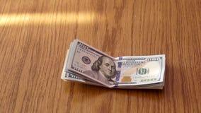De bundel van Amerikaans USD-Geld is op Lijst stock videobeelden