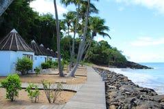 De bungalowwen van de waterkant, Guadeloupe stock foto