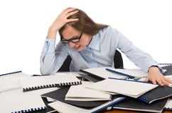 De bureauwerknemer bij het werklijst met documenten Stock Foto