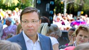 De burgemeester van de stad van Samara, Dmitry Azarov, besprekingen met de burgers van zijn stad royalty-vrije stock foto's
