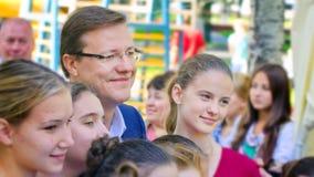 De burgemeester van de stad van Samara, Dmitry Azarov, besprekingen met de burgers van zijn stad royalty-vrije stock afbeeldingen