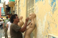 De burgers op de straten van Cartagena Stock Foto's