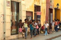 De burgers op de straten van Cartagena Royalty-vrije Stock Foto's