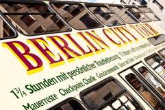De bus van de de stadsreis van Berlijn Stock Afbeeldingen