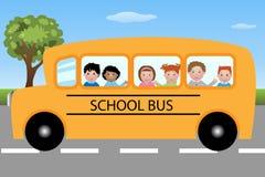 De bus van de school met kinderen Royalty-vrije Stock Afbeeldingen