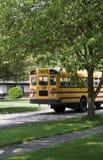 De Bus van de school in route Royalty-vrije Stock Afbeelding