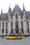 De Bus van de stadsreis - Brugge, België royalty-vrije stock fotografie