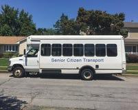 De bus van het bejaardevervoer stock afbeeldingen