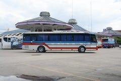 De bus van het Vintourbedrijf Route Phitsanulok en Chiangmai Stock Afbeelding