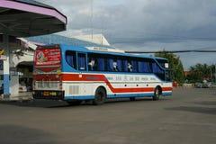 De bus van het Vintourbedrijf Route Phitsanulok en Chiangmai Royalty-vrije Stock Afbeeldingen