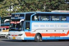 De bus van het Vintourbedrijf Route Phitsanulok en Chiangmai Stock Afbeeldingen