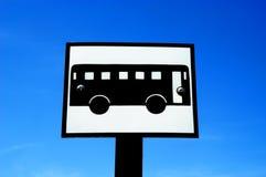 De bus voorziet van wegwijzers Stock Foto