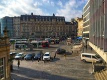 De bushalte, het vertrek en de aankomst van Luxemburg Gare Centrale van bussen stock fotografie
