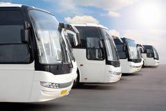 De bussen van de toerist op parkeren royalty-vrije stock fotografie