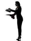 De butler van de vrouwenkelner het openen het silhouet van de cateringskoepel Royalty-vrije Stock Afbeelding