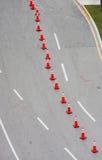 De cônes route orange vers le bas Photographie stock libre de droits