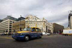De cabine van de taxi in Londen Royalty-vrije Stock Foto's