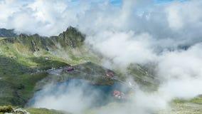 De Cabine van het Baleameer, Transfagarasan, Fagaras-bergen Roemenië Timelapse stock video