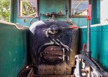De Cabine van de oude Stoomlocomotief stock afbeeldingen