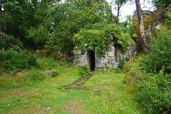 De cabineschuilplaats van de Trekkers` steen op Lewis Island, Hebrides stock fotografie