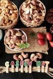 De cachounoten worden geroosterd heerlijk met zout Royalty-vrije Stock Foto's
